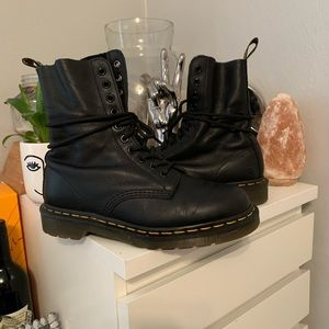 Black original Dr martens with balm